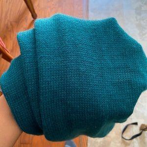 Green scarf 🧣